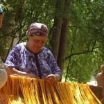 Tissage au métier du gite-Ourthane